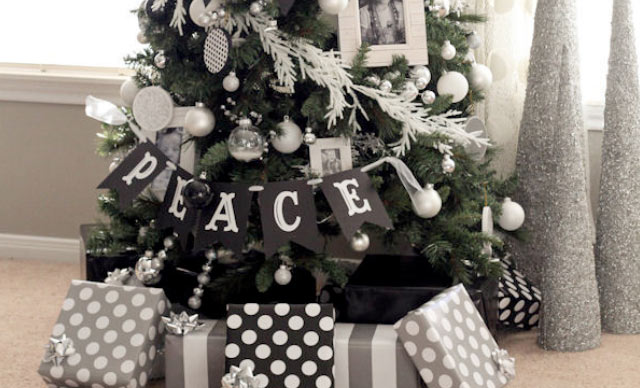 Christmas Tree Decorating Ideas black white silver tree