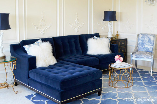 How to buy a sofa in Knoxville tufted cushions